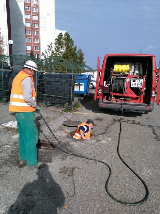 čistenie kanalizácie